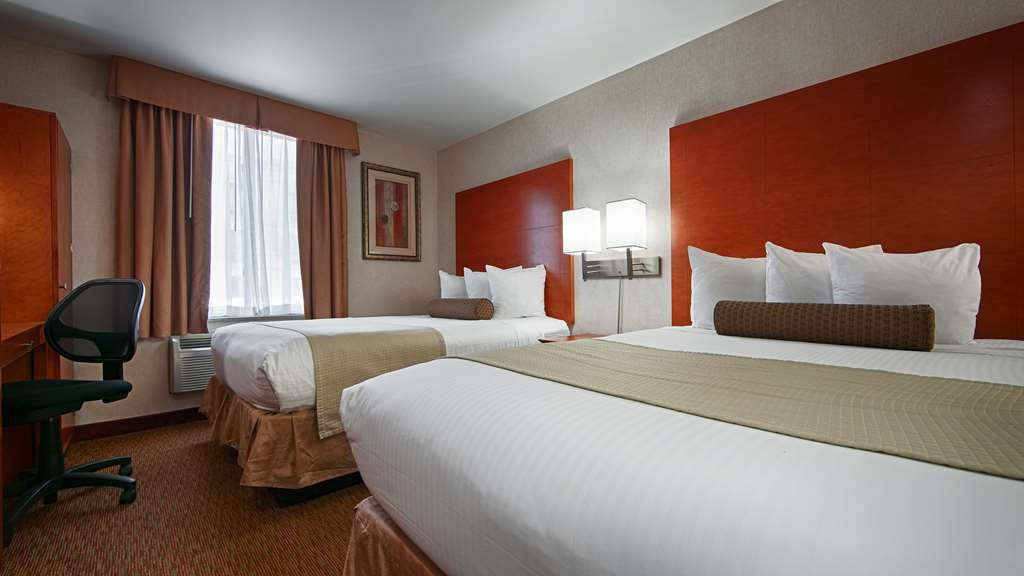 Best Western JFK Airport Hotel - Bring your whole family along and book a two double bed guest room.