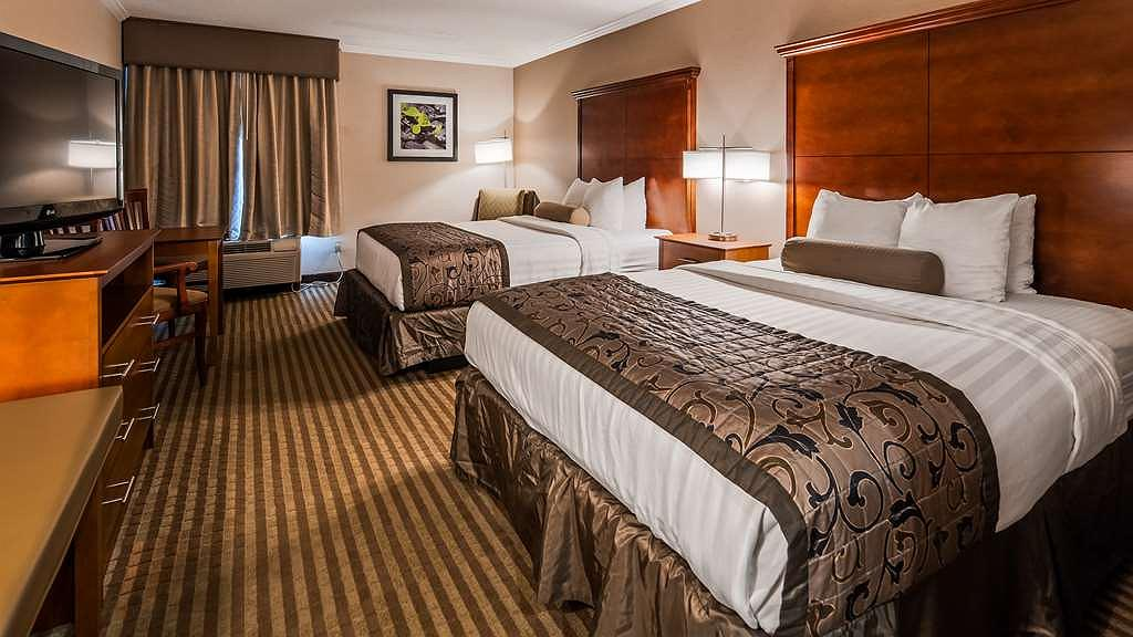 Astounding Hotel In Liverpool Best Western Plus Liverpool Syracuse Gmtry Best Dining Table And Chair Ideas Images Gmtryco
