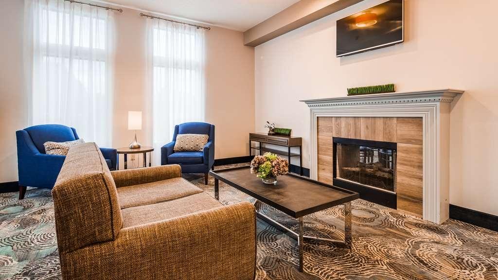 Best Western Plus Liverpool-Syracuse Inn & Suites - Vue du lobby