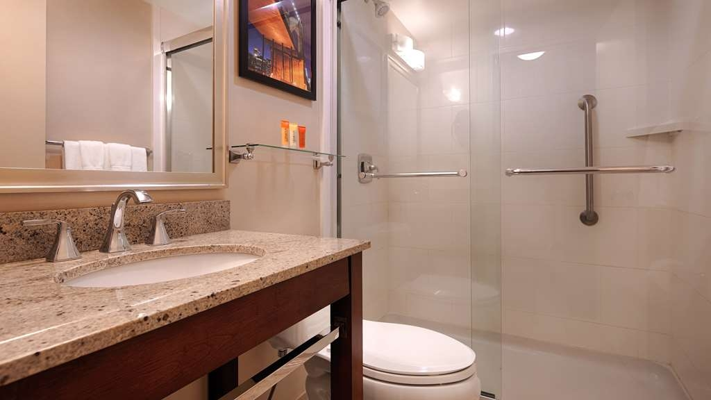 Best Western Gregory Hotel - Guest Bathroom