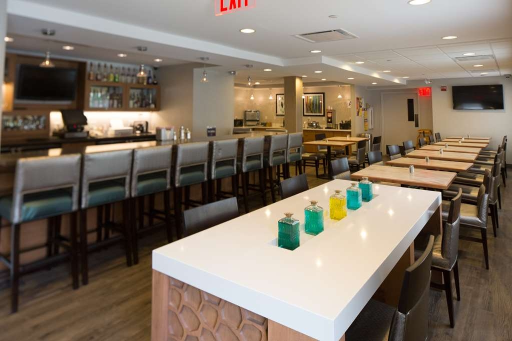 Best Western Gregory Hotel - Bar and Lounge