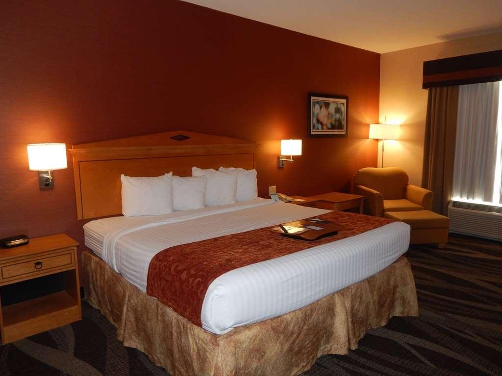 Best Western Plus University Inn - Habitaciones/Alojamientos
