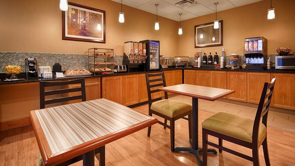 Best Western Plus University Inn - Restaurant / Gastronomie
