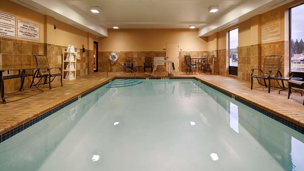 Best Western Plus University Inn - Vista de la piscina