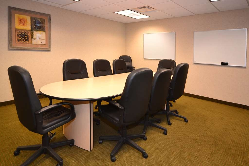Best Western Plus Saratoga Springs - We offer the perfect conference room to exchange business ideas or strategies.