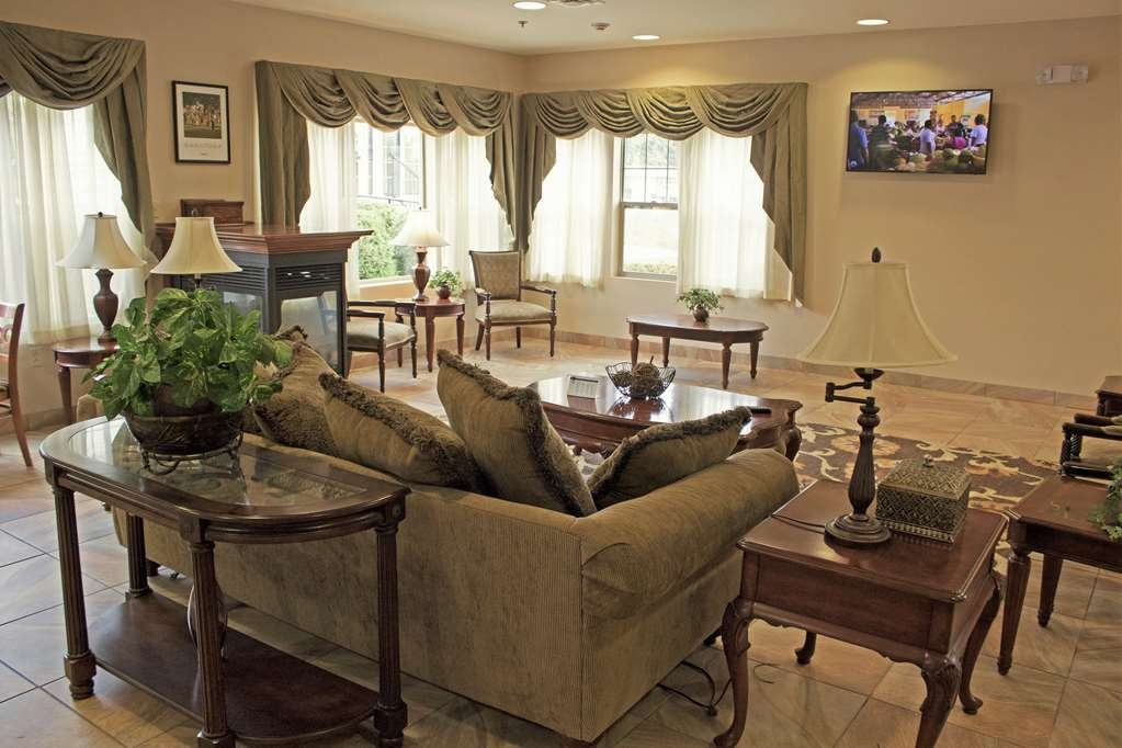 Best Western Plus Saratoga Springs - Our lobby features a comfortable place to relax before check-in.
