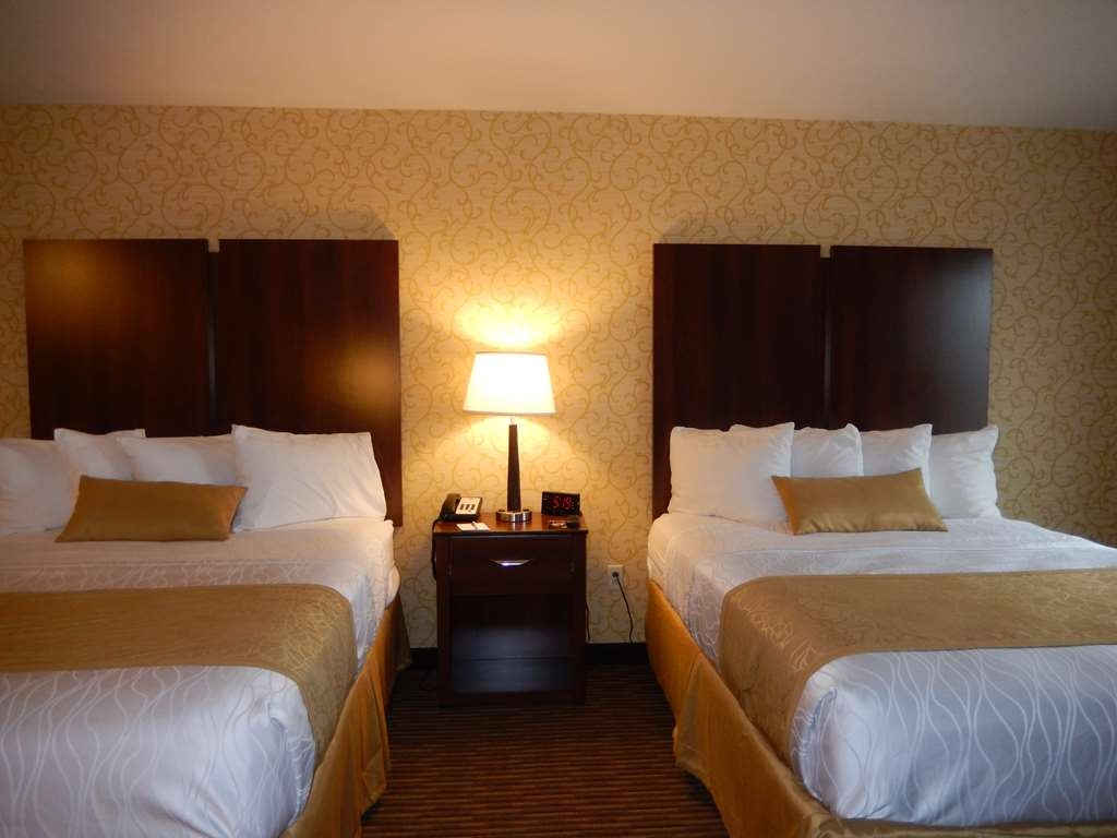 Best Western Plus Saratoga Springs - Deluxe Two Queen Guest Room