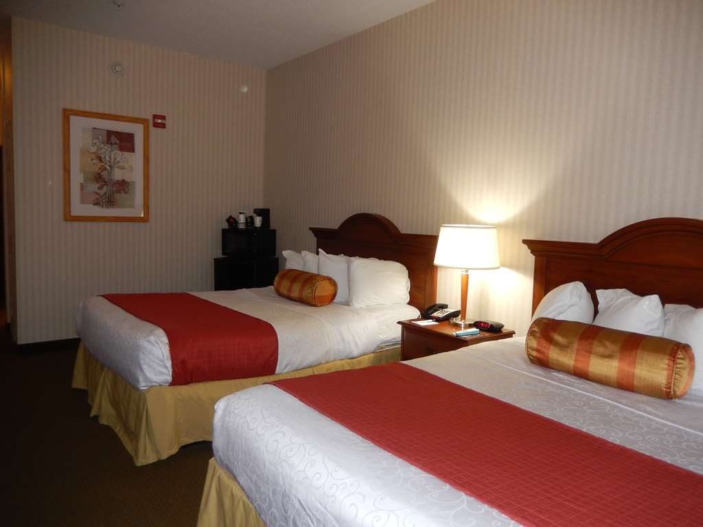 Best Western Plus Saratoga Springs - Two Queen ADA Mobility Accessible Room