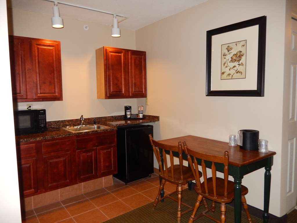 Best Western Plus Saratoga Springs - King Suite with Kitchenette