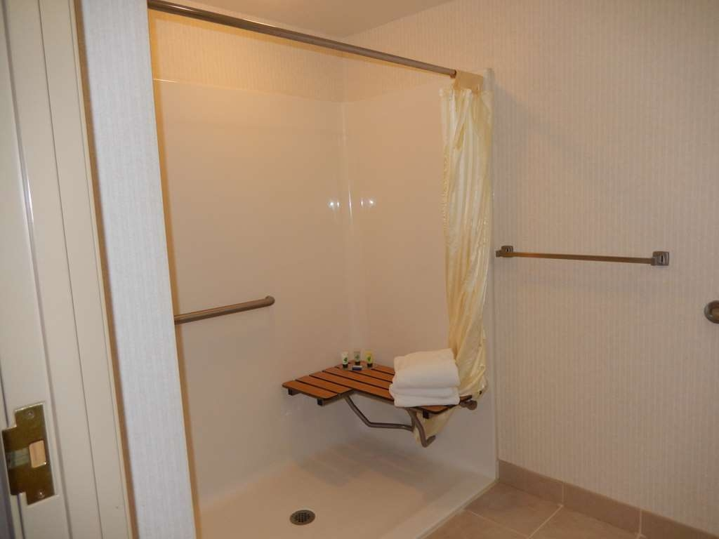 Best Western Plus Saratoga Springs - ADA Mobility Accessible Roll-in Shower