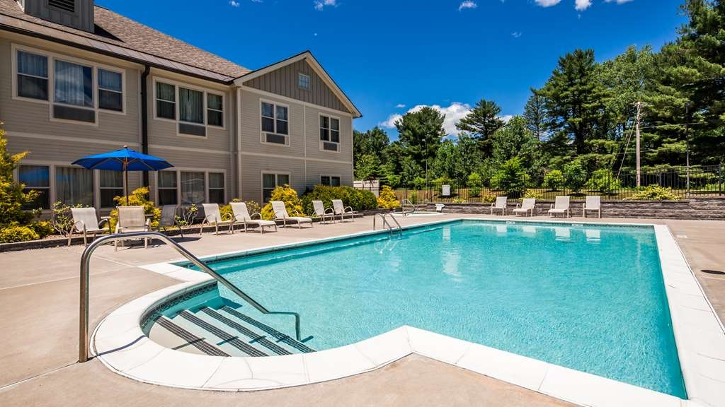 Best Western Plus Saratoga Springs - Outdoor Pool