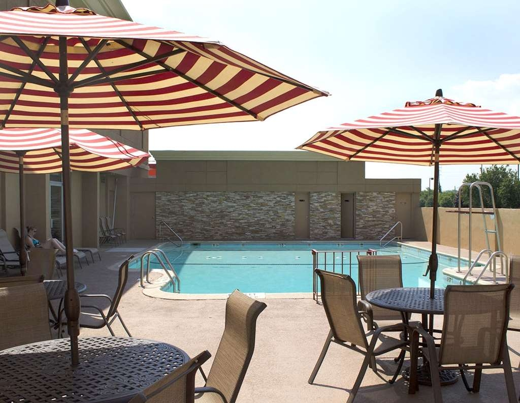Best Western Mill River Manor - Piscina