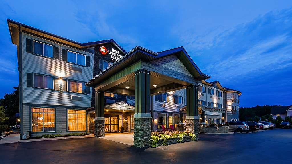 Best Western Plus Vineyard Inn & Suites - Aussenansicht