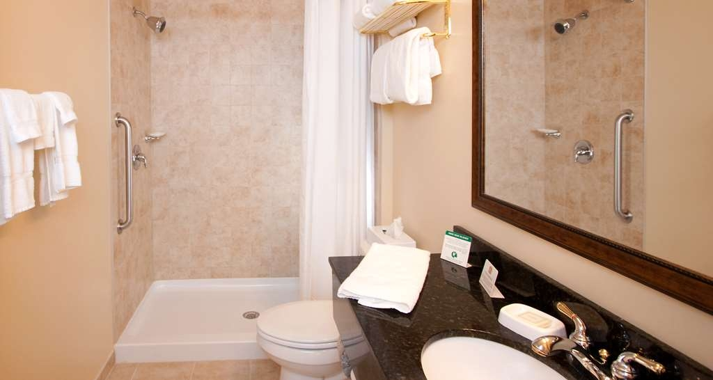 Best Western Plus Vineyard Inn & Suites - Single King Bathroom.