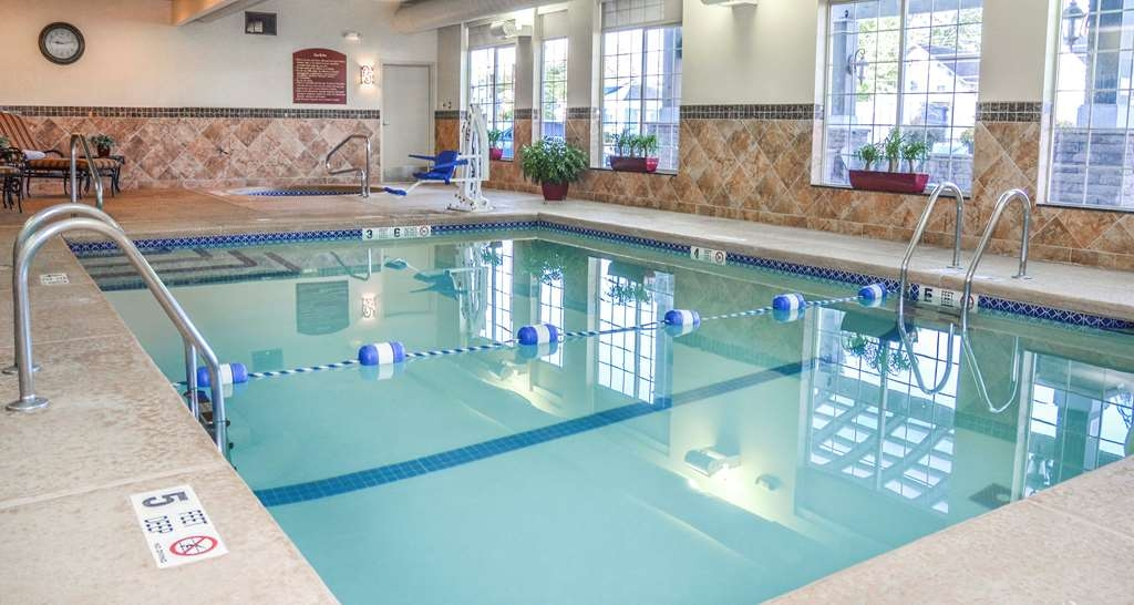 Best Western Plus Vineyard Inn & Suites - Heated Indoor Pool.