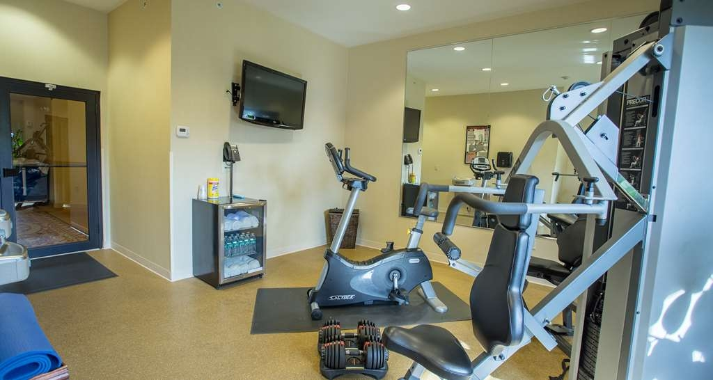 Best Western Plus Vineyard Inn & Suites - Our Fitness Center provides chilled water bottles and dry towels for your use.