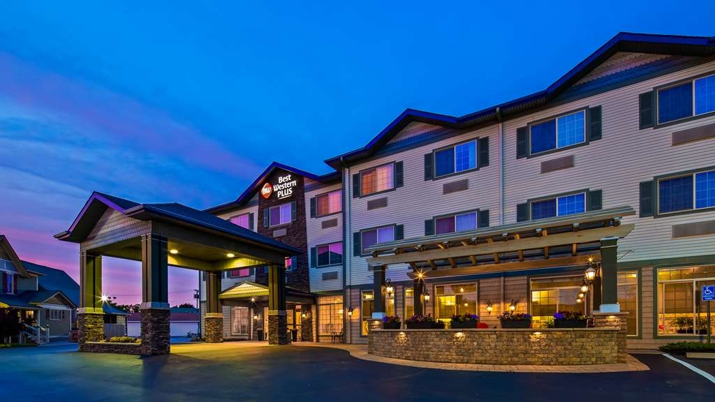 Best Western Plus Vineyard Inn & Suites - Exterior