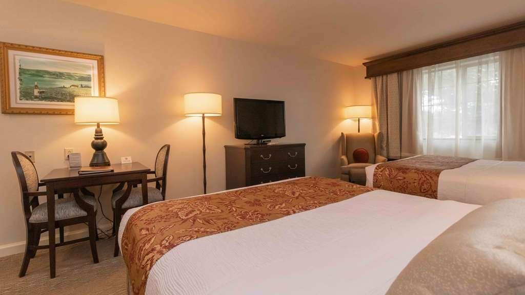 Best Western Plus Vineyard Inn & Suites - Traditional Double Queen Room