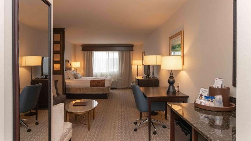 Best Western Plus Vineyard Inn & Suites - Suite