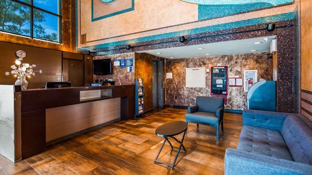 Best Western Plus Brooklyn Bay Hotel - Vista del vestíbulo