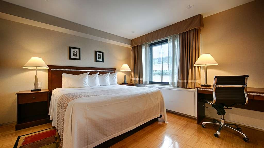 Best Western Bowery Hanbee Hotel - Our standard king suite is stocked with everything you need!