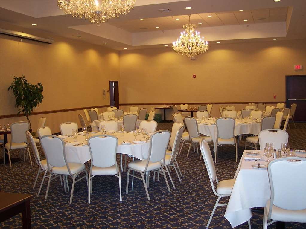 Best Western Plus Ticonderoga Inn & Suites - Book the LaChute meeting room for moderate sized gatherings presentations or seminars.
