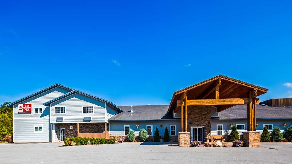 Best Western Plus Ticonderoga Inn & Suites - Exterior
