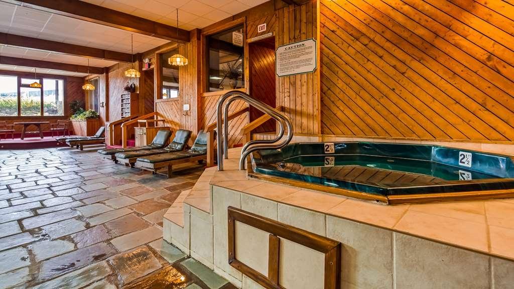 Best Western Adirondack Inn - Vue de la piscine