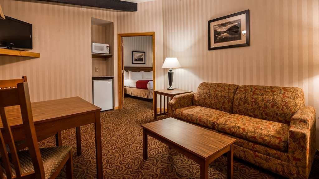 Best Western Adirondack Inn - Suite