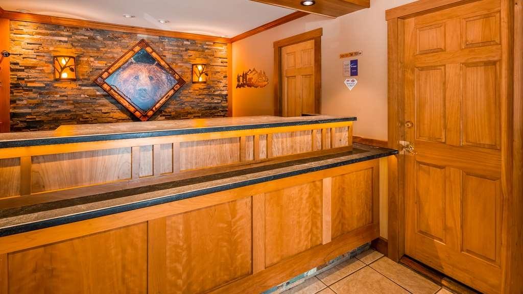 Best Western Adirondack Inn - Front Desk