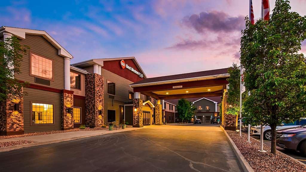Best Western Plus Victor Inn & Suites - Area esterna