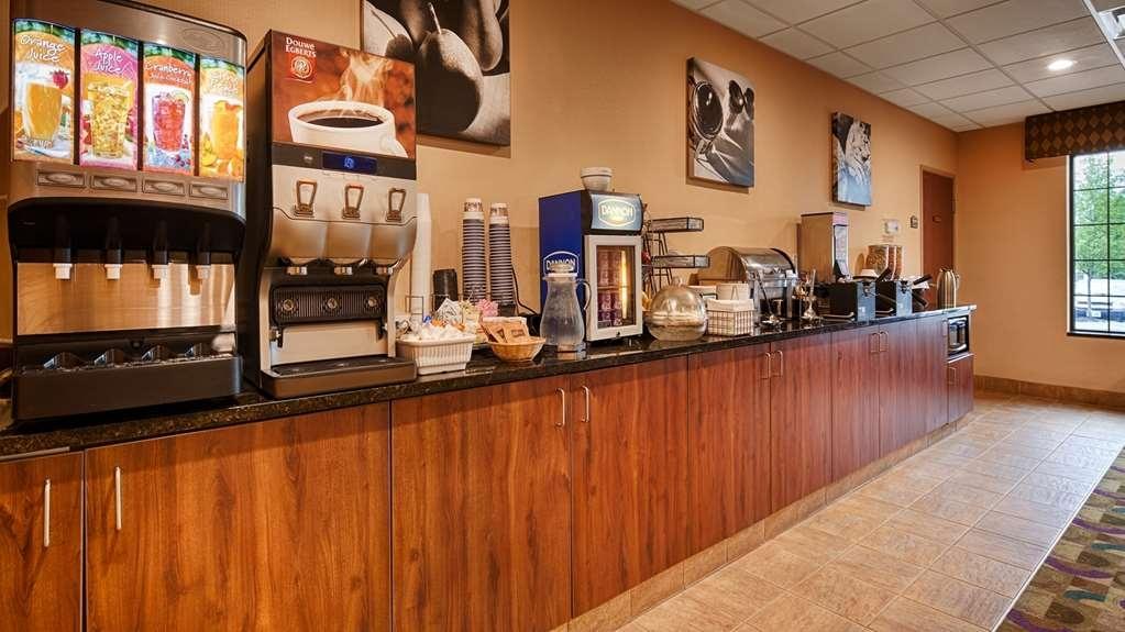 Best Western Plus Victor Inn & Suites - Complimentary Breakfast