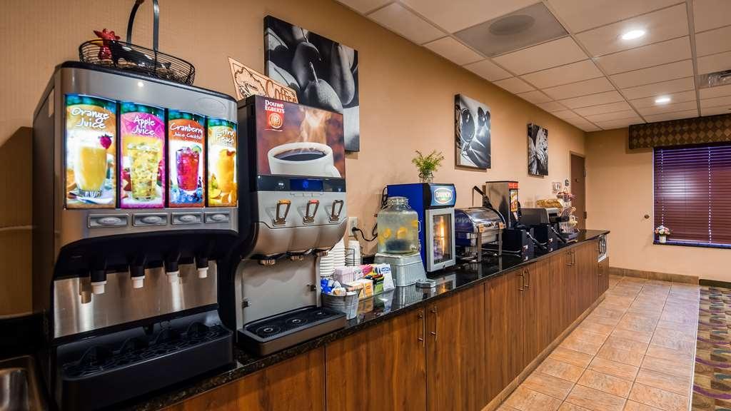 Best Western Plus Victor Inn & Suites - Breakfast Area
