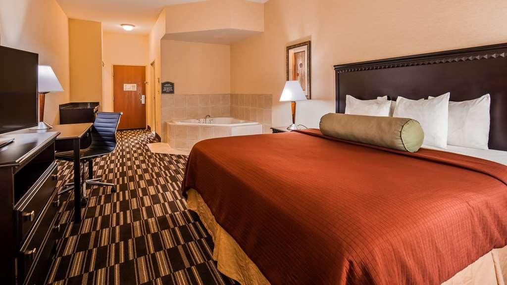 Best Western Plus Victor Inn & Suites - Guest Room