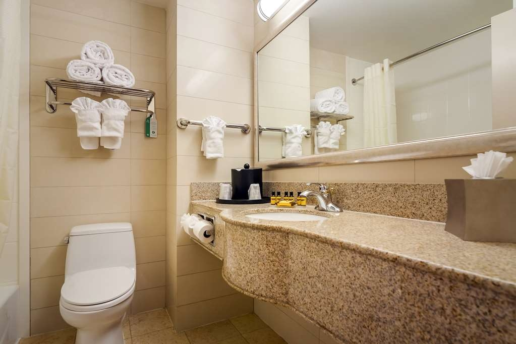 Best Western Plus Plaza Hotel - We take pride in making everything spotless for your arrival.
