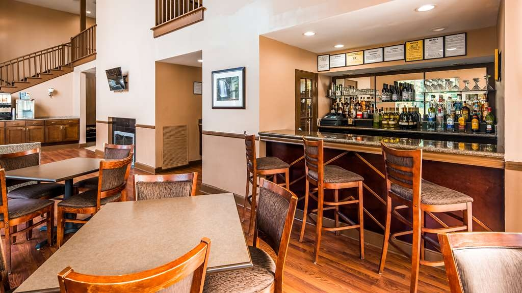 Best Western Plus The Inn & Suites at the Falls - Restaurant / Gastronomie