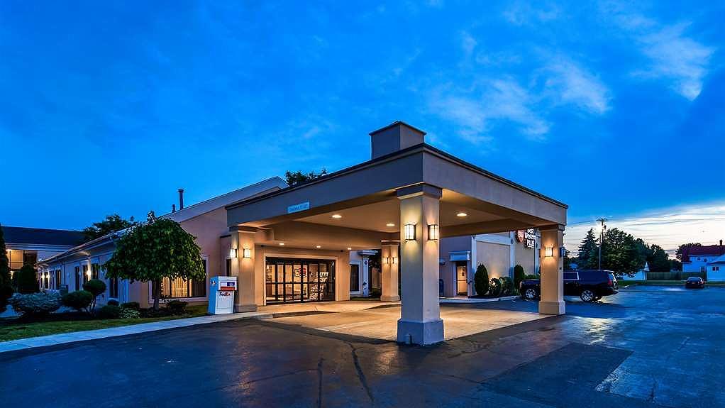 Best Western Plus Galleria Inn & Suites - Exterior