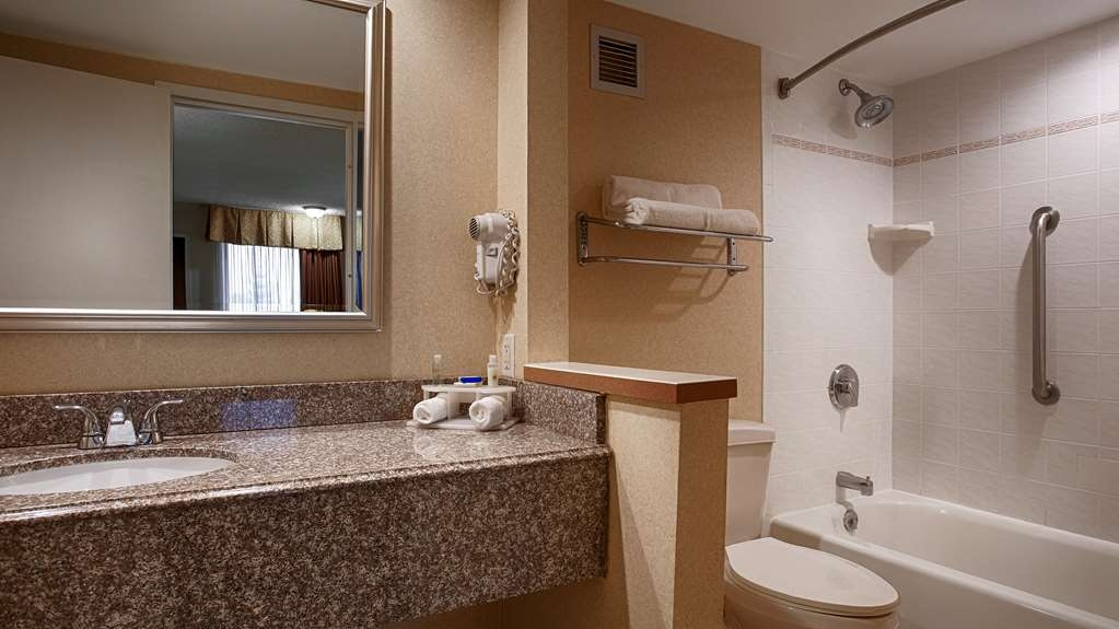 Best Western Plus Galleria Inn & Suites - Pamper yourself in our guest bathrooms.