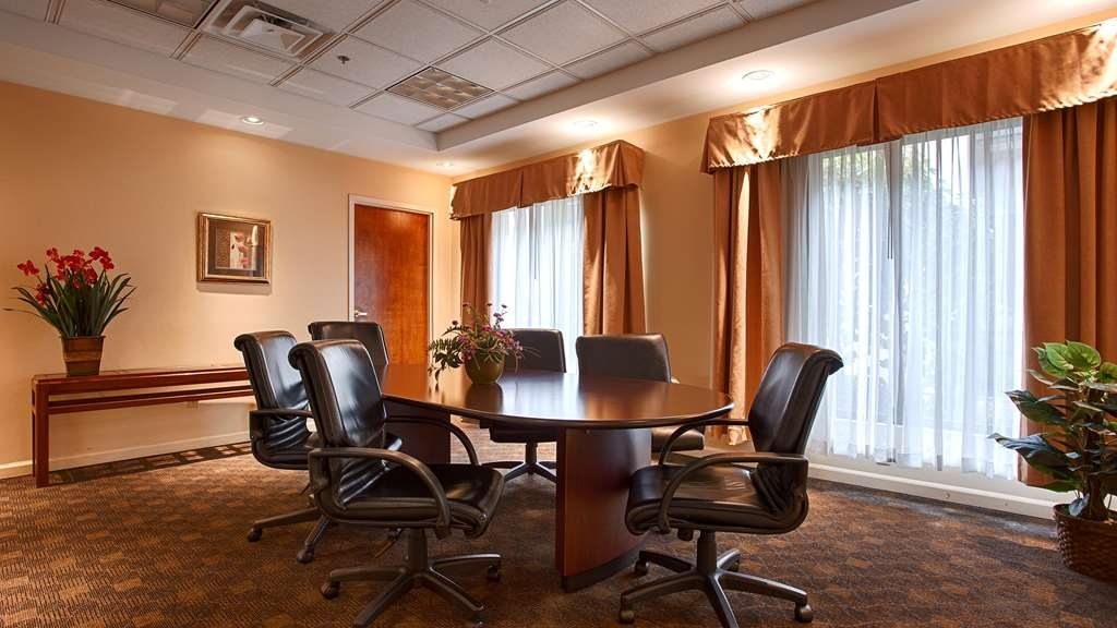 Best Western Plus Galleria Inn & Suites - We offer the perfect conference room to exchange business ideas or strategies.
