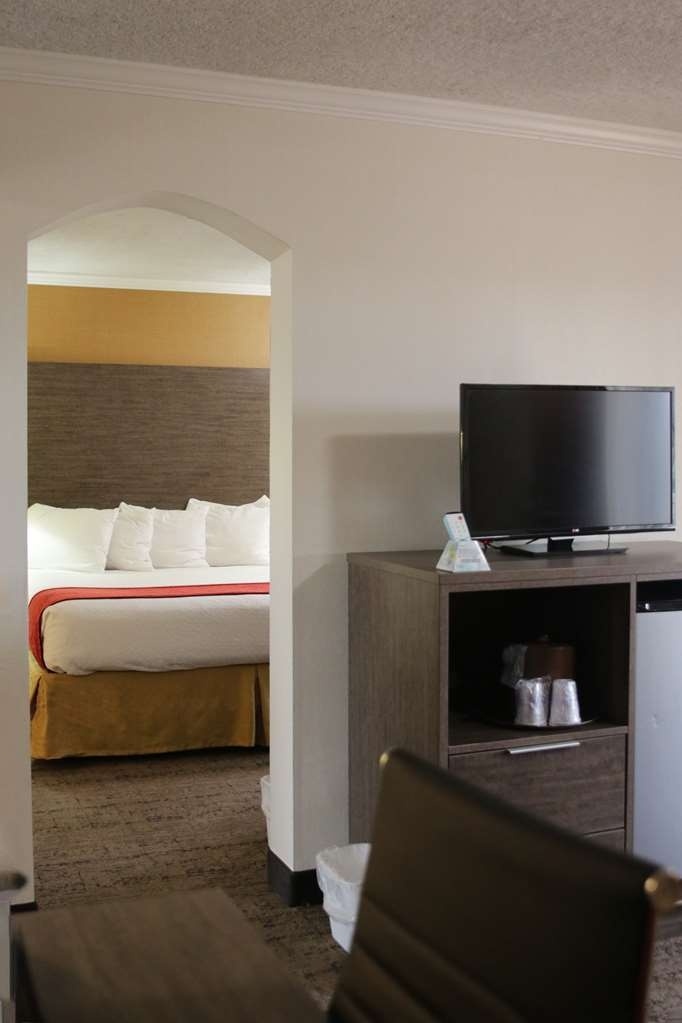 Best Western Plus Galleria Inn & Suites - Our suites come fully equipped with a separate living area.