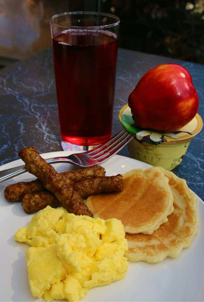 Best Western Plus Galleria Inn & Suites - All guests can enjoy our complimentary deluxe hot breakfast.