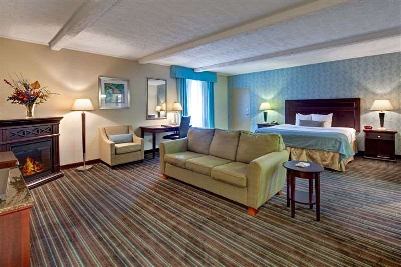 Best Western Plus Lockport Hotel - Suite