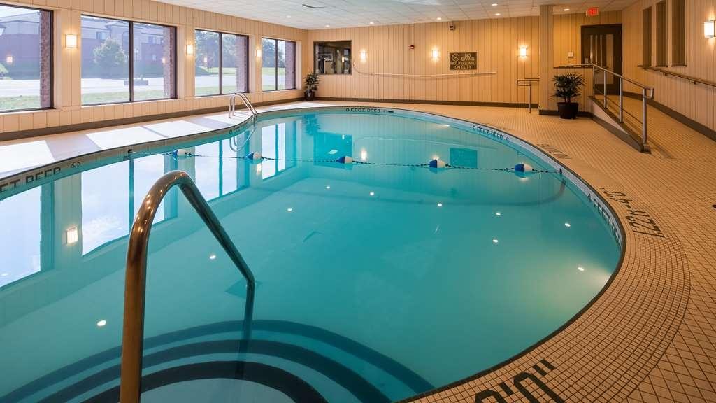 Best Western Plus Lockport Hotel - Poolansicht