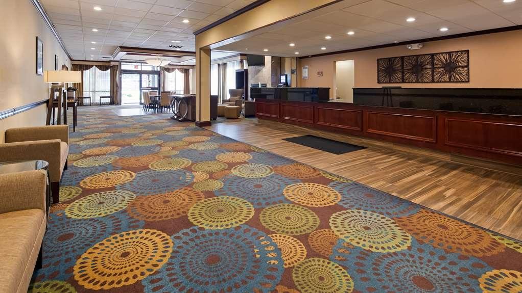 Best Western Plus Lockport Hotel - Lobby
