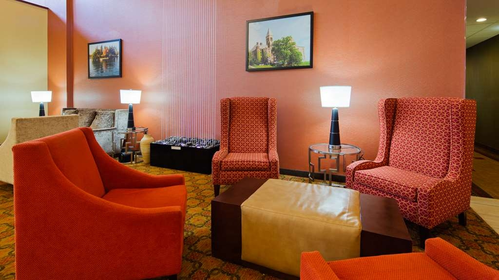 Best Western Plus Finger Lakes Inn & Suites - Hall