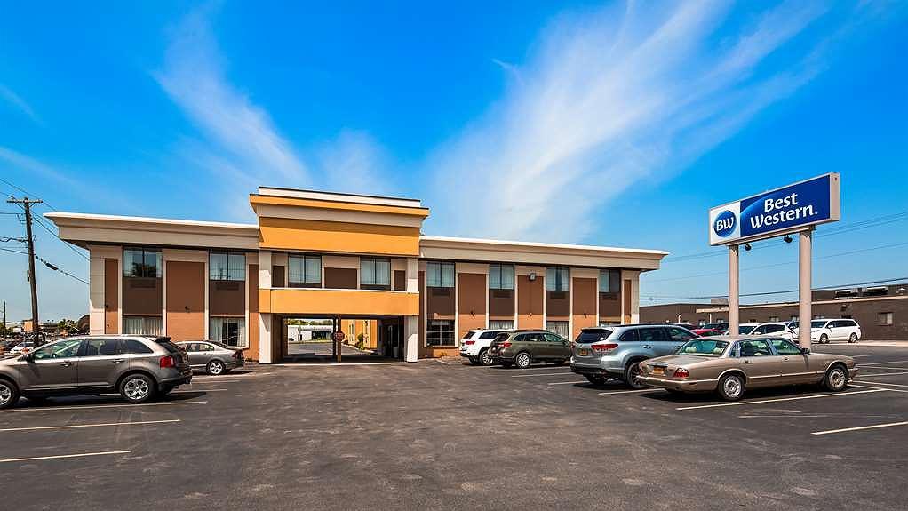 Best Western The Inn at Rochester Airport - Aussenansicht