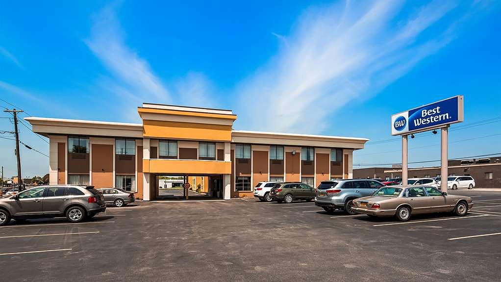 Best Western The Inn at Rochester Airport - Area esterna