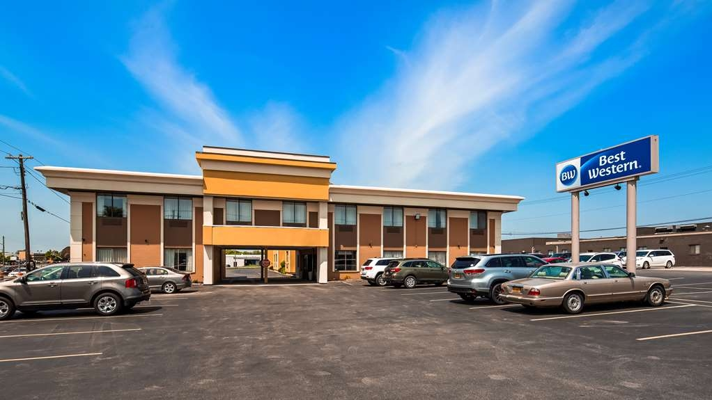 Best Western The Inn at Rochester Airport - Facciata dell'albergo