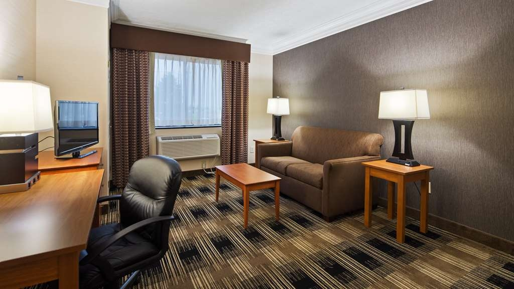 Best Western The Inn at Rochester Airport - Suite