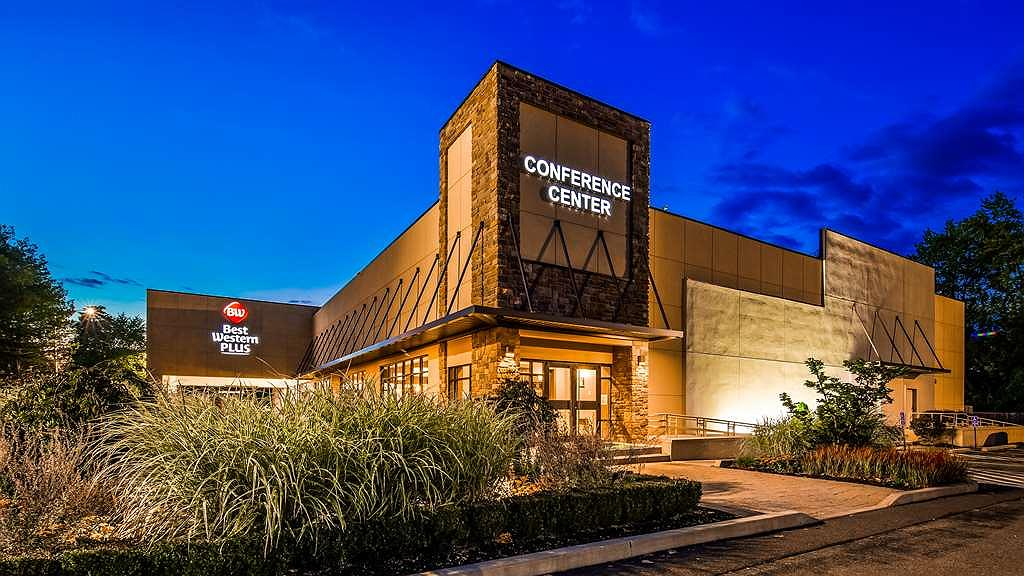 Best Western Plus Kingston Hotel and Conference Center - Exterior